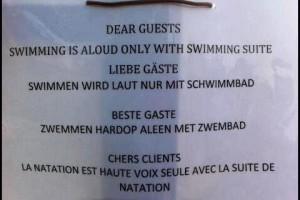 Luid zwemmen mag alleen in de speciale zwemkamer!
