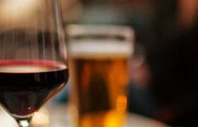 wijn na bier geeft plezier