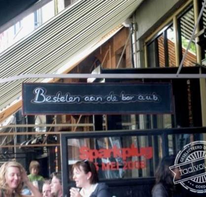 bestelen aan de bar