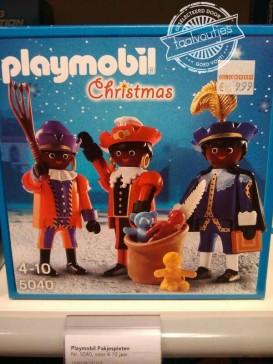 Leuk! Als Zwarte Piet verklede rendieren!