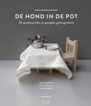 de-hond-in-de-pot