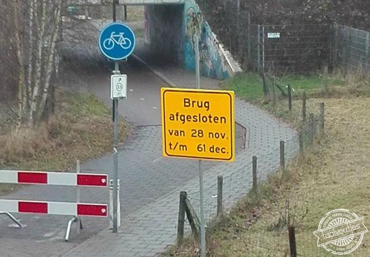 20161210_fb_meerdere-inzenders_foto-van-reijer-van-t-hul_brug-afgesloten-tot-61-december_verkeersbord_waarschuwing_logo