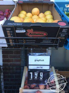 """""""Hoe noem je een vrucht die altijd grapjes maakt?"""""""